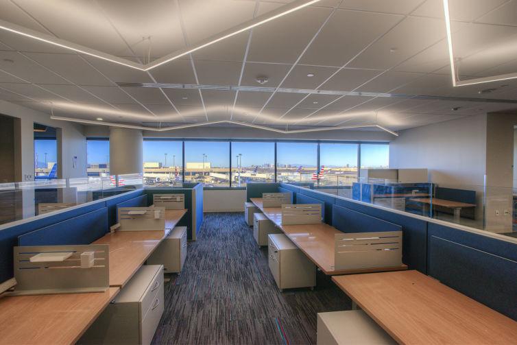 Phoenix Sky Harbor Airport Terminal 4: Mezzanine Level